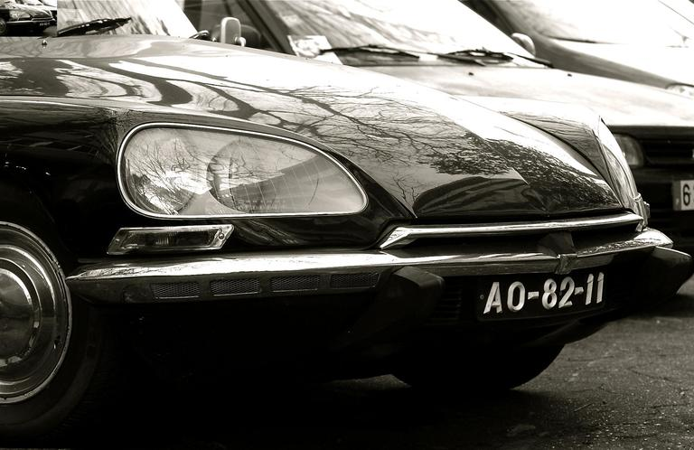 'Citroen DS 23 Pallas' found at https://flic.kr/p/4oeA2F by pedrosimoes7 (https://flickr.com/people/pedrosimoes7) used under Creative Commons Attribution License (http://creativecommons.org/licenses/by/2.0/)
