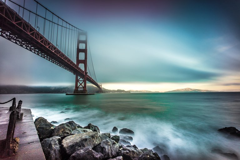 'The golden gate bridge, San Francisco, California, United States' found at https://flic.kr/p/pJ4S5r by j0sh (www.pixael.com) (https://flickr.com/people/giuseppemilo) used under Creative Commons Attribution License (http://creativecommons.org/licenses/by/2.0/)