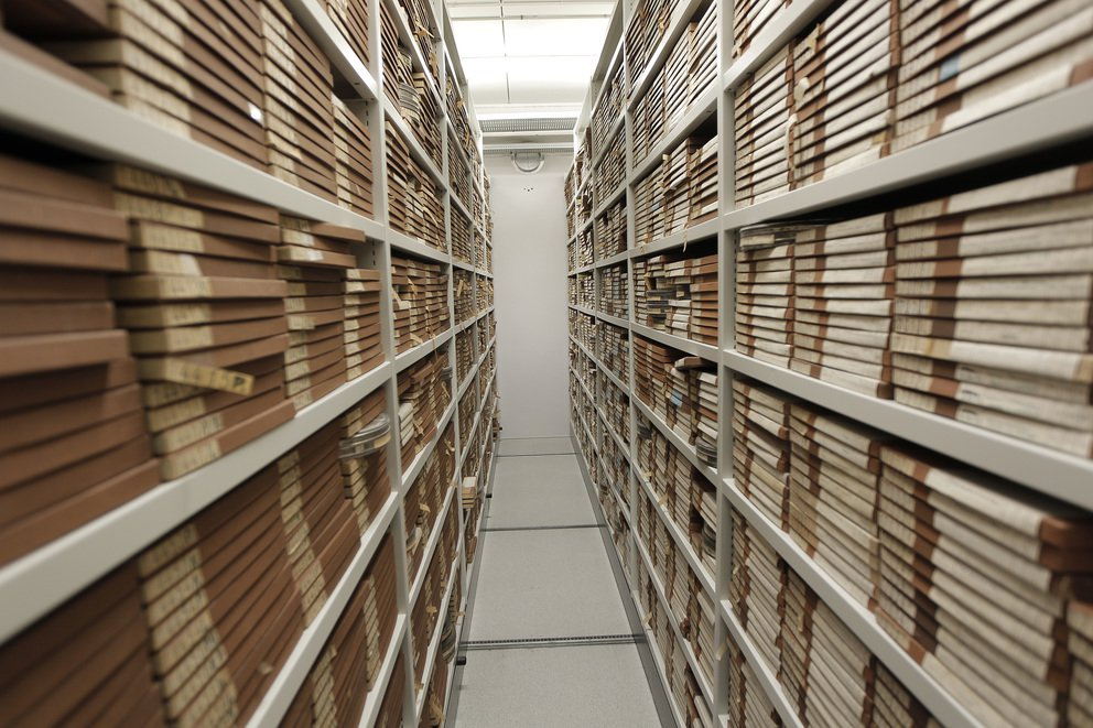 'Film archive storage' found at https://flic.kr/p/aUg8cx by DRs Kulturarvsprojekt (https://flickr.com/people/kulturarvsprojektet) used under Creative Commons Attribution-ShareAlike License (http://creativecommons.org/licenses/by-sa/2.0/)