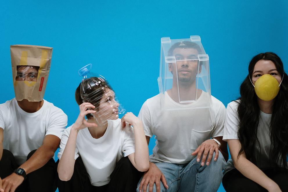 'People wearing diy masks - Credit to https://homegets.com/' found at https://flic.kr/p/2iKhgVE by davidstewartgets (https://flickr.com/people/null) used under Creative Commons Attribution License (http://creativecommons.org/licenses/by/2.0/)